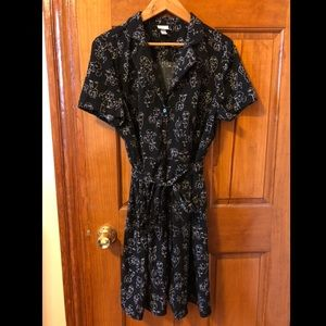 Collared dress with face pattern